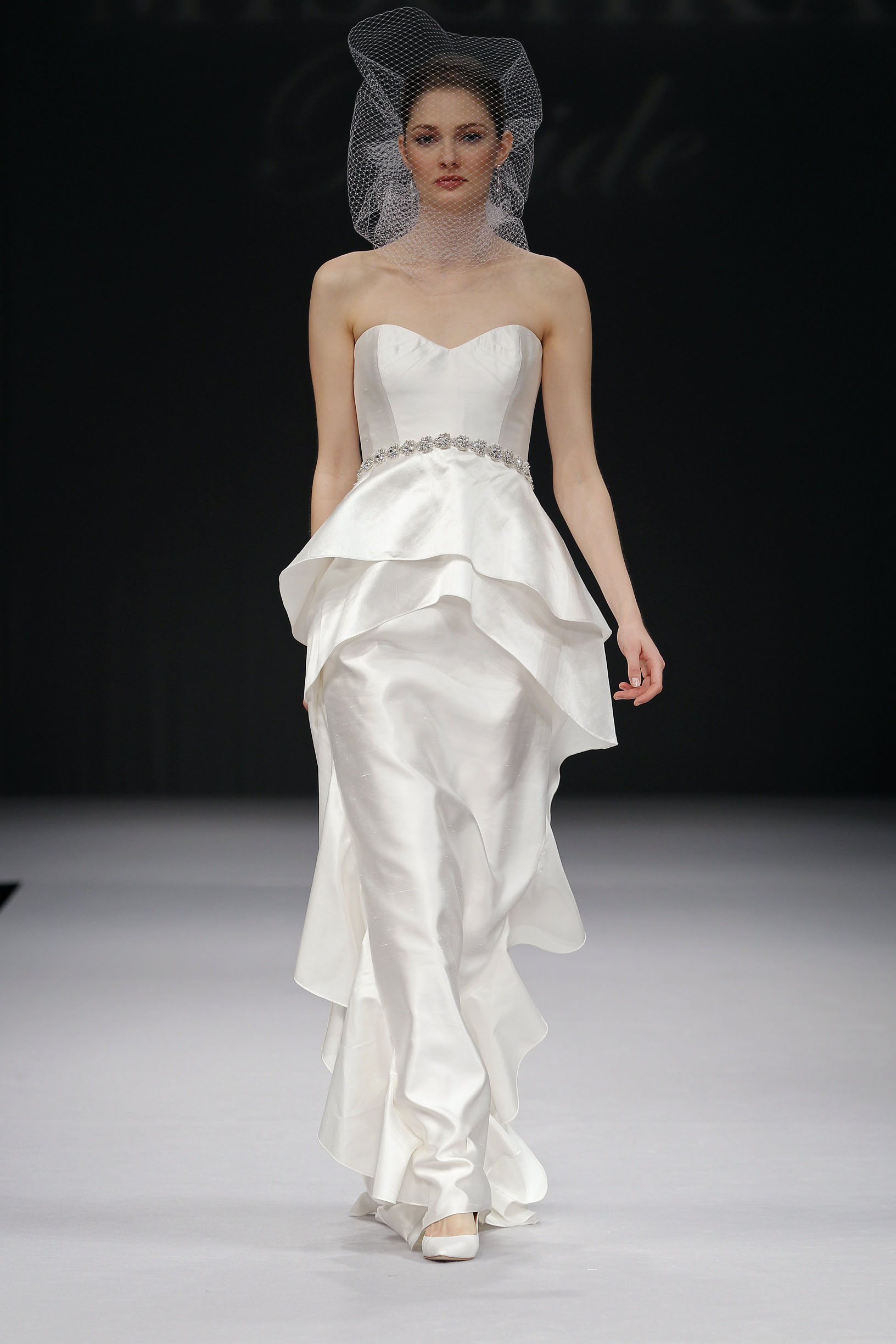 badgley-mischka-Shari