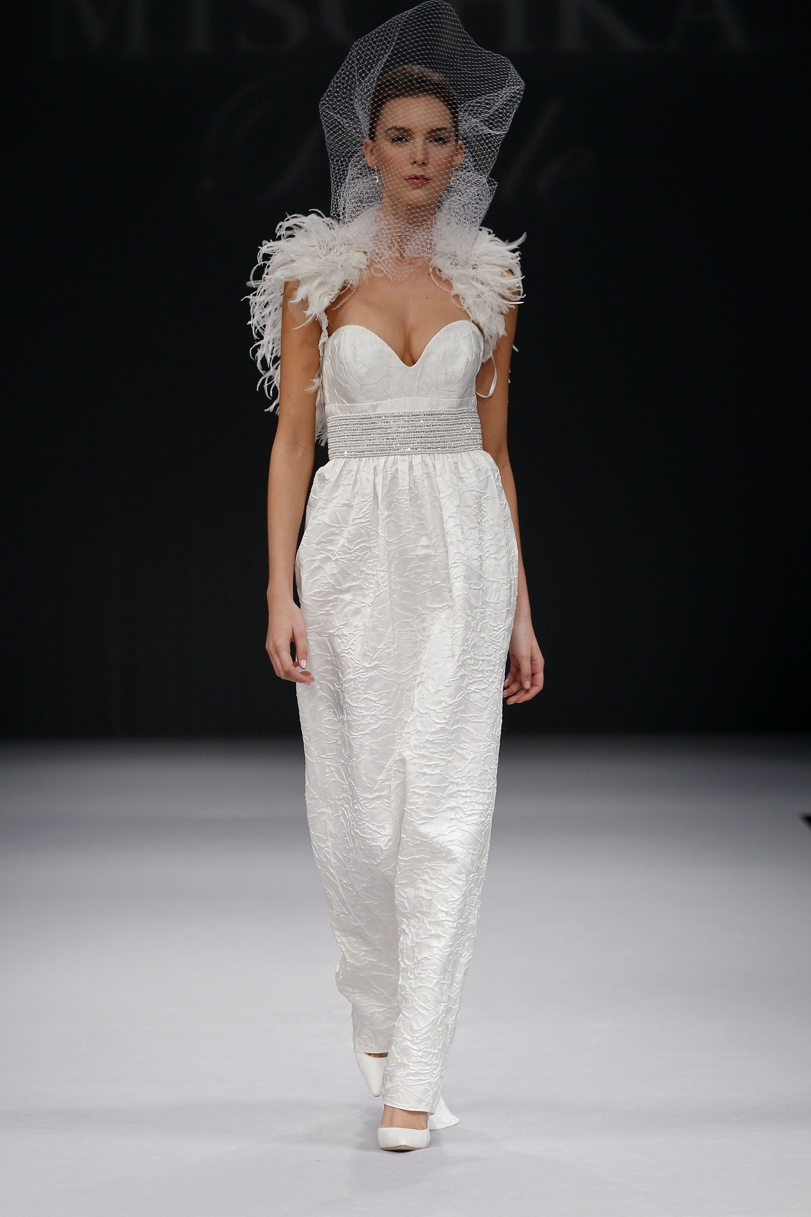 badgley-mischka-Brianna