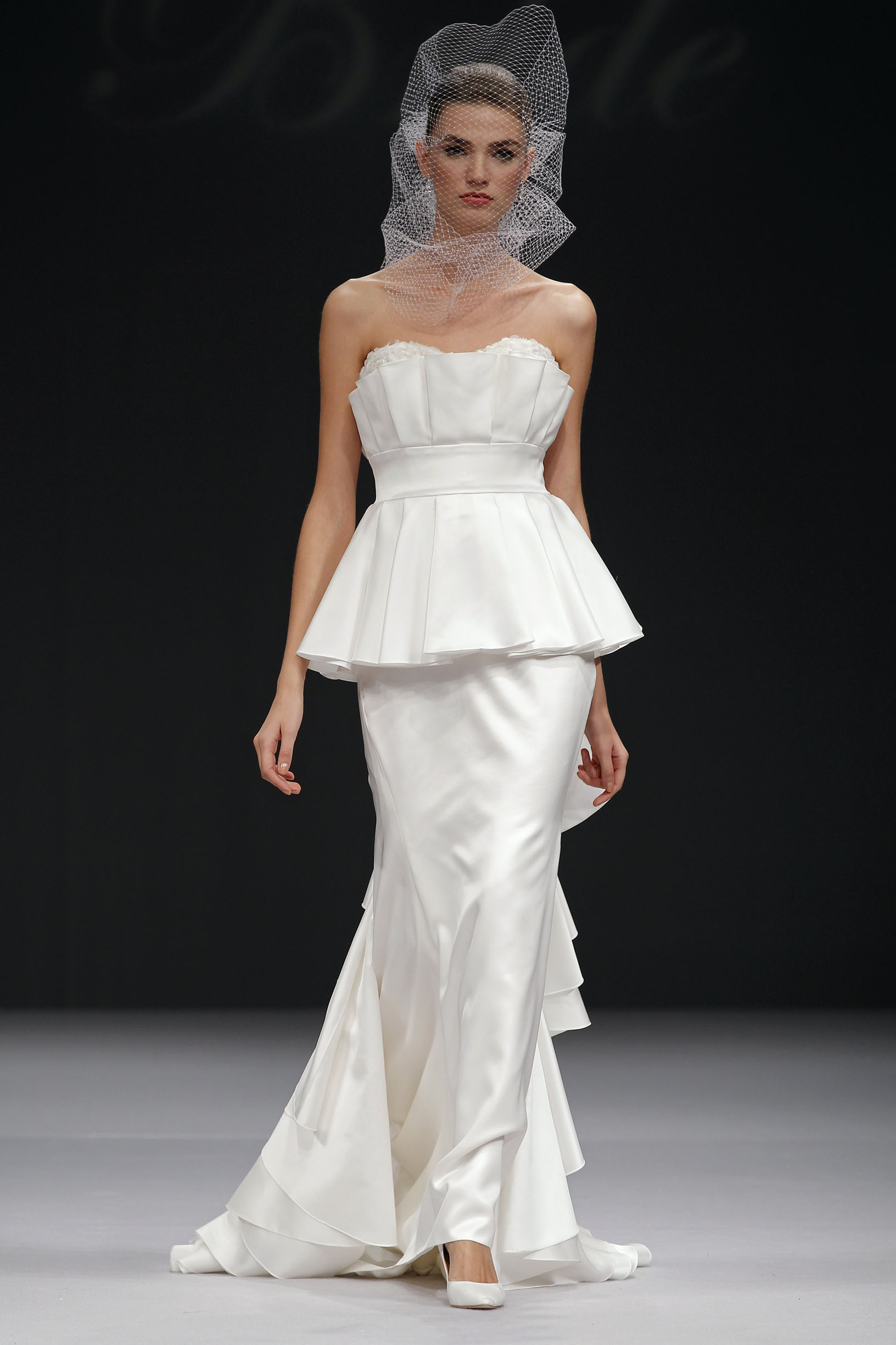 badgley-mischka-Dierdre