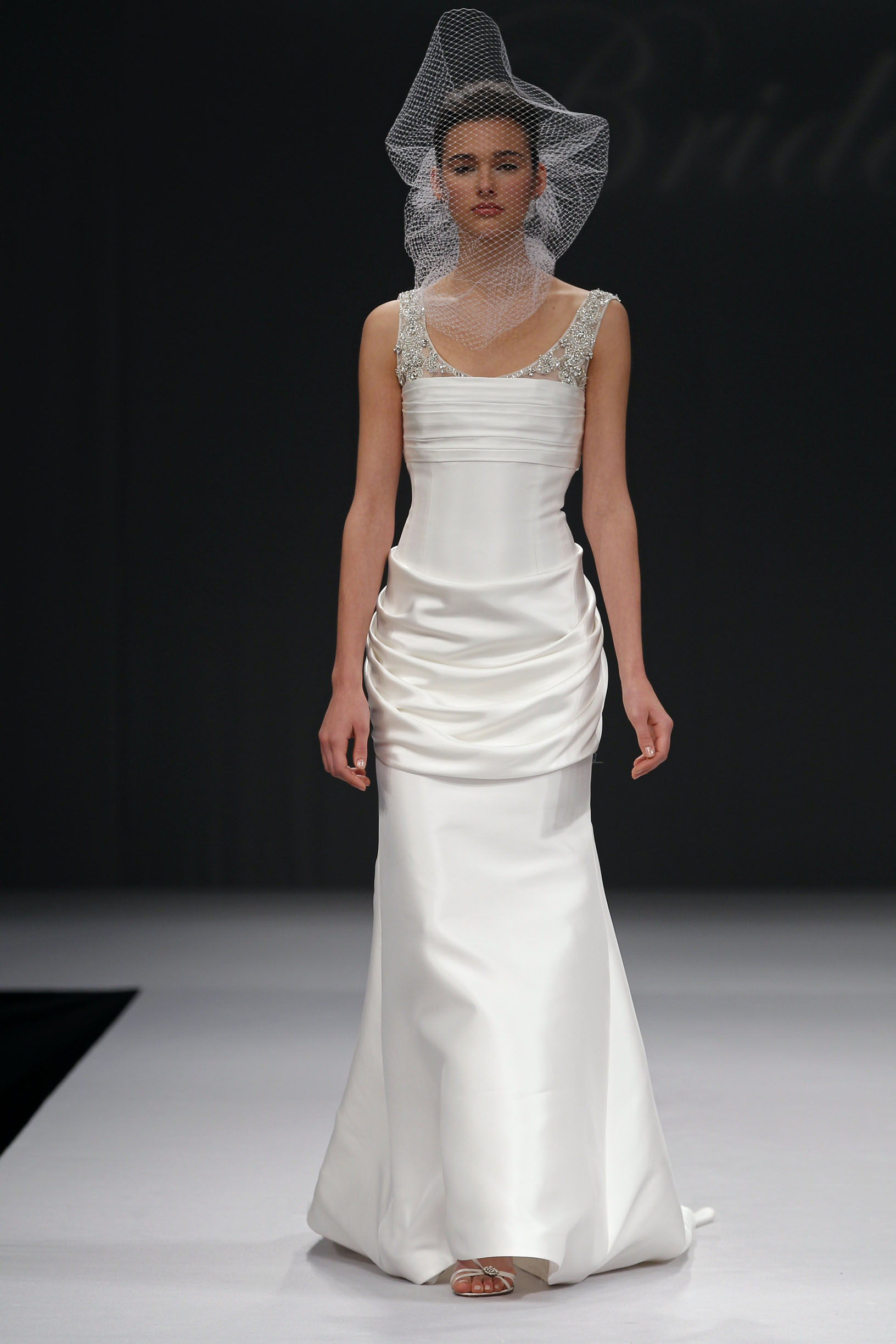 badgley-mischka-Olga