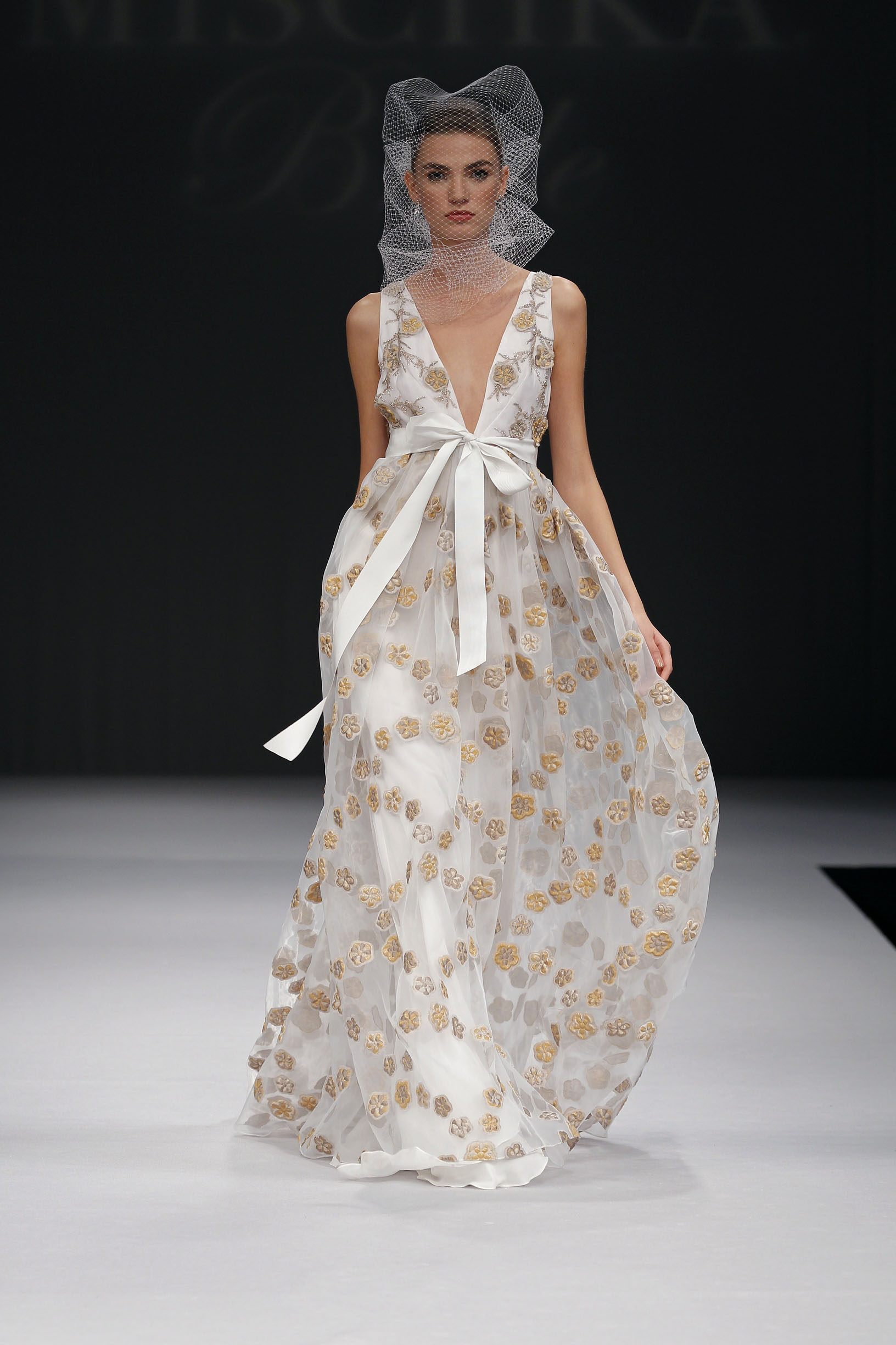 badgley-mischka-Melia
